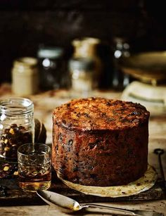 Fig, apricot and pistachio Christmas cake (fruitcake) - Sainsbury's Magazine