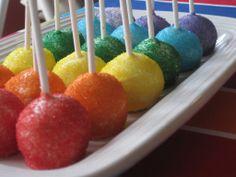 cake pops Laurel keeps saying she wants to have a Rainbow Unicorn birthday party. Rainbow Cake Pops, Rainbow Treats, Rainbow Food, Rainbow Rocks, Wedding Cake Pops, Rainbow Birthday, 3rd Birthday, Rainbow Wedding, Unicorn Birthday