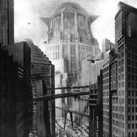 Uma obra futurista ousada, atemporal e que até hoje surpreende pela sua magnitude. Conheça a Metrópolis expressionista de Lang, onde os feitos de seu cineasta são tão grandes quanto os seus arranha-céus.
