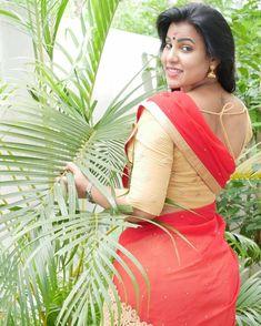 Desi Girl Image, Girls Image, Indian Actress Hot Pics, Indian Actresses, Indian Navel, Snake Girl, Attractive Girls, Indian Models, Indian Beauty Saree