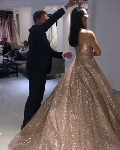 Glamorous sleeveless sequins 2019 prom dresses princess long evening gowns on sale Sparkly Prom Dresses, Princess Prom Dresses, Elegant Prom Dresses, Pretty Dresses, Sexy Dresses, Beautiful Dresses, Formal Dresses, Ball Dresses, Black Quinceanera Dresses