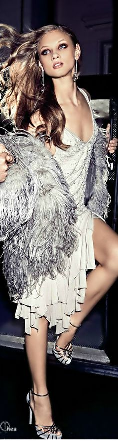 Rockin in the Clubs in LA, NYC and Miami.Anna Selezneva in Ralph Lauren for Harper's Bazaar US August 2014 Grey Fashion, High Fashion, Fashion Beauty, Glamour, Anna Selezneva, Foto Real, Ralph Lauren, Black Tie Affair, Look Chic