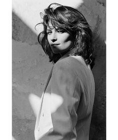 Charlotte Rampling,1982 © Peter Lindbergh http://www.vogue.fr/culture/a-voir/diaporama/charlotte-rampling-a-la-mep/8900/image/552387#charlotte-rampling-1982-peter-lindbergh