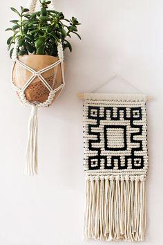Macrame Wall Hanging Woven Wall Hanging Woven Wall Tapestry  #handmade #macrame #home #homedesign #peoplescreatives #boho #bohostyle #decor #homesweethome #macramelove #macramewallhanging #wallhanging #walldecor #handwoven #bohemian #bohodecor #makersvillage #wallart #fiberart #boholove #tapestry #bohemianstyle #slavic #макраме #рустик #идеиинтерьера #макрамемосква #декордлядома #бохо #декордлядома #идеидляинтерьера #DIY #макрамекашпо #макрамепанно #боходекор #бохостиль #экостиль