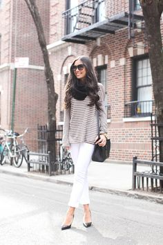 Love this look although I would substitute full length white jeans instead of capris.  Love doing white pants with a longer top.