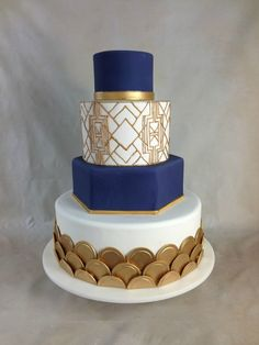 We love this Gatsby Inspired wedding cake to bits! – The Most OMG-Gorgeous Weddi… We love this Gatsby Inspired wedding cake to bits! – The Most OMG-Gorgeous Wedding Cake Trends of 2016 Cool Wedding Cakes, Wedding Cake Designs, Wedding Cake Toppers, Art Deco Wedding Cakes, 1920s Wedding Cake, Gatsby Wedding, Art Deco Cake, Cake Art, Gorgeous Cakes
