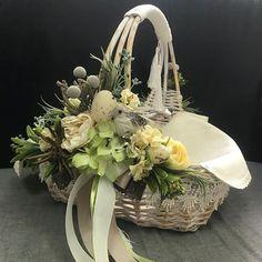 1 million+ Stunning Free Images to Use Anywhere Baby Boy Gift Baskets, Wedding Gift Baskets, Diy Wedding Decorations, Christmas Decorations, Holi Gift, Scrapbook Box, Flower Installation, Flower Girl Basket, Basket Decoration