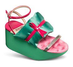 Kenzo Spring 2011 RTW Japanese Geta Sandals - Celebrities who wear ...