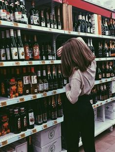 Foto vinho mercado tumblr aesthetic instagram fotografia Pic wine grocery store wallmart tumblr aesthetic instagram photography @MoonishBitch