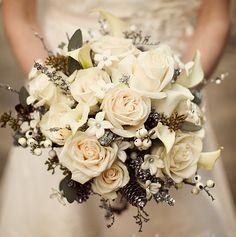 Bouquet invernale con pigne