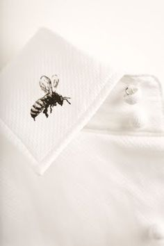 bee on a collar//trend union