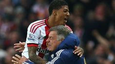 Sunderland defender Patrick van Aanholt has signed a new four-year contract with the Premier League club. The 25-year-old Netherlands international helped the Black Cats avoid relegation last seaso…