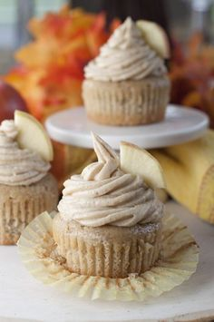Moist and flavorful recipe for Apple Cider Cupcakes made from scratch with Brown Sugar Cinnamon Buttercream Frosting makes for a mouthwatering fall dessert! Desserts Apple Cider Cupcakes and Brown Sugar Cinnamon Buttercream Brownie Desserts, Köstliche Desserts, Delicious Desserts, Yummy Food, Apple Desserts, Cheesecake Cookies, Oreo Cookies, Cinnamon Desserts, Delicious Cupcakes