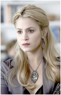 Rosalie, Skyla's sister-in-law and best friend in the Cullen clan