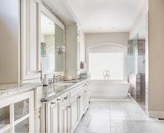 Large Bathroom Design #largebathroom #bathroomdesign #bathroomvanity #tileflooring #whitetub #mirrors #modernbathroom