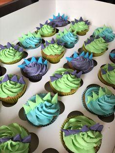 Dinosaur (stegosaurus) cupcakes!