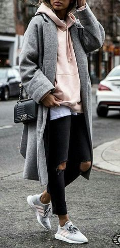 40 Awesome Winter Outfit Ideas - #winteroutfits #winterstyle #winterfashion