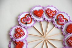 Heart Cupcakes, Valentines Day Hearts, Cupcake Toppers, Desserts, Food, Photos, Tailgate Desserts, Pictures, Dessert