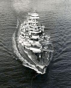 Image of American super-dreadnought battleship USS Texas bow view Navy Marine, Navy Military, Naval History, Military History, Uss Texas, Us Battleships, Us Navy Ships, Armada, United States Navy