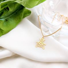 Origami Fly Insect Necklace Gold / Silver Origami Necklace, Tiny Necklace, Leaf Necklace, Initial Necklace, Gold Necklace, Insect Jewelry, Animal Jewelry, Unusual Jewelry, Geometric Necklace