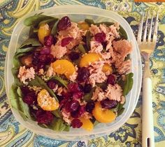 mmmm so excited for lunch today! Spinach with hulled hemp seeds, tuna, mandarin oranges, and dries mixed berries. That's what I call a #power salad #bonapetit #buenpeovecho