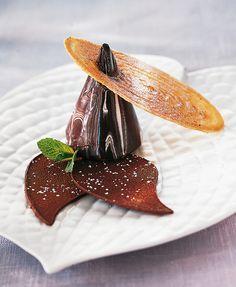 Chocolate dessert at Georges Blanc Parc & Spa, Vonnas, France. L'art de dresser et présenter une assiette comme un chef de la gastronomie... > http://visionsgourmandes.com