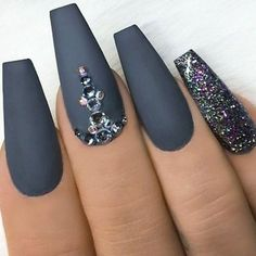 Nails With Rhinestones. The post Grey Matte Nails. Nails With Rhinestones. Acryli appeared first on nageldesign. Grey Matte Nails, Coffin Nails Matte, Black Nail, Grey Acrylic Nails, Acrylic Gel, Acrylic Colors, Autumn Nails Acrylic, Dark Grey Nails, Nail Pink