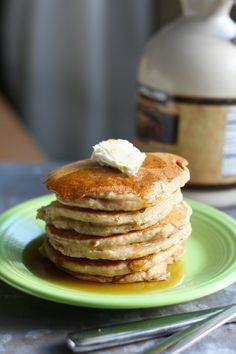 apple cinnamon vegan pancakes - an easy and tasty recipe