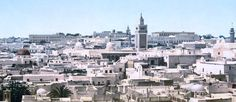 http://mundodeviagens.com/tunisia/ - Pelo facto de ser um país exótico e repleto de contrastes, faz todo o sentido que a Tunísia seja um dos destinos de sonho a constar neste blog. Um pequeno paraíso do Norte de África, com tradições e costumes completamente diferentes do ocidente, a Tunísia assume-se com uma exuberante beleza costeira e reconfortantes oásis no meio do gigantesco deserto do Sahara.