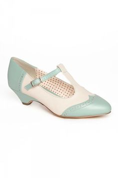 Ione T-Strap Low Heel in Mint