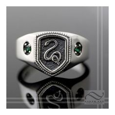 Harry Potter Inspired Slytherin House Ring ❤ liked on Polyvore featuring jewelry, rings, harry potter, slytherin, green jewelry, silver jewellery, silver jewelry, green silver ring and silver rings