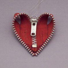 Zipper Heart Ornament, Cool Zipper Crafts, http://hative.com/cool-zipper-crafts/,