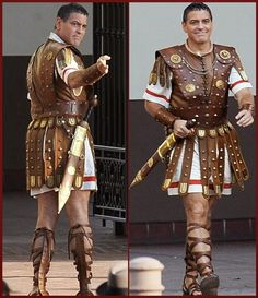 #GeorgeClooney Shows Off His Legs And Caesar Hairc... Roman Soldier Costume, Warrior Costume, Ancient Roman Clothing, Biblical Costumes, Roman Clothes, The Bible Movie, Roman Soldiers, Medieval Armor, Alexander The Great