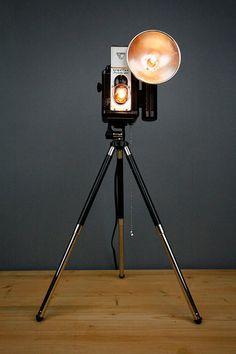 Lámpara con cámara antigua
