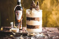 A boozy vanilla panna cotta, gingerbread sponge and Amarula mousse give the classic Christmas trifle a very grown-up twist! The post Amarula Gingerbread Trifle appeared first on The Kate Tin. Christmas Trifle, Christmas Recipes, Christmas Ideas, Gingerbread Trifle, Vanilla Panna Cotta, Mousse Dessert, Coffee Drinks, White Chocolate, Healthy Snacks