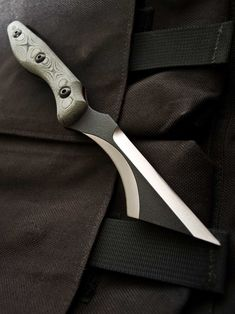 The Tops/Despins Back Bite, a Purpose-Built Fighting Knife on a Whole New Level