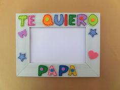 """¿No sabes que #regalar el #díadelpadre? ¿Que te parece esto? Una foto de tu hijo/a en un marco donde ponga """"Te quiero papa"""" . ¡¡¡Seguro que le encanta!!! Medidas de la foto: 10×15 cm Precio: 10€"""