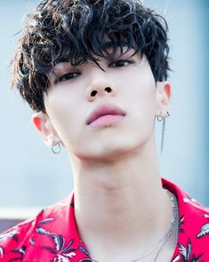 Happy 28th birthday to Lee Gi Kwang (Gikwang). Lead vocalist, dancer, and visual for Highlight (formerly: B2ST/Beast). #HappyGikwangDay #HAPPYGKDAY #Highlight  * He was formerly a solo artist under the stage name (AJ).
