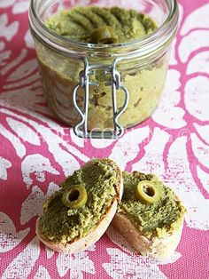 Tapenade olives vertes & Basilic Olive Recipes, Raw Food Recipes, Vegetarian Cooking, Healthy Cooking, Hummus, Tapenade Olive, Buffet, Best Appetizers, Appetisers