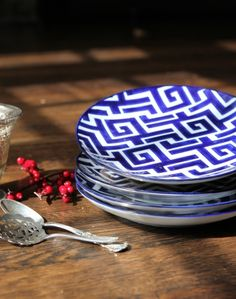 Vagabond Vintage Set of 4 Blue and White Ceramic Moroccan Plates - Willow and Shea