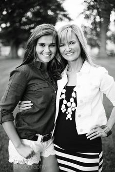 Mother Daughter Pose | Iowa High School Senior Model | Madison - Towler Photography