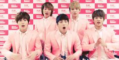 shinee is my favourit boy band :P