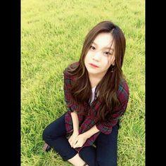 This Korean Webtoon based its characters off of real Korean celebrities - Koreaboo Extended Play, South Korean Girls, Korean Girl Groups, Kim Ye Won, Cloud Dancer, G Friend, Soyeon, Korean Celebrities, Aesthetic Photo