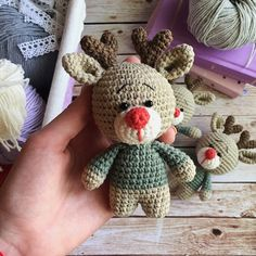We have already shared examples of several Amigurumi deer models. We knit a mini deer today. Amigurumi can be used as keychain models yaai Crochet Amigurumi, Amigurumi Patterns, Baby Knitting Patterns, Amigurumi Doll, Crochet Dolls, Crochet Patterns, Amigurumi Tutorial, Crochet Deer, Free Crochet