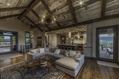Warm and welcoming: Mountain contemporary retreat in Colorado