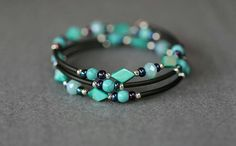 Bekijk dit items in mijn Etsy shop https://www.etsy.com/nl/listing/484410871/turquoise-memory-wire-wikkel-armband