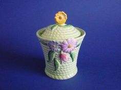 Carlton Ware Green 'Flowers and Basket' Preserve Pot c1939