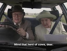 Richard and Hyacinth Bucket – Keeping Up Appearances British Tv Comedies, British Comedy, British Actors, Appearance Quotes, Funny Sitcoms, Keeping Up Appearances, British Humor, Comedy Tv, Book Tv