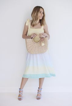 The Chicest Summer Trends According to LC Lauren Conrad Designer Conrad Courtney Kirwan These are the trends your summer wardrobe needs… Lc Lauren Conrad, Lauren Conrad Clothes, Celebrity Casual Outfits, Celebrity Style, Classy Outfits, Stylish Outfits, Lauren Conrad Collection, Floaty Dress, Resort Dresses