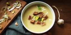Pórková polievka Cheeseburger Chowder, Soup, Beef, Ethnic Recipes, Drinks, Drinking, Beverages, Soups, Drink